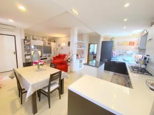 Splendido appartamento in stile moderno. Ideale per giovani coppie